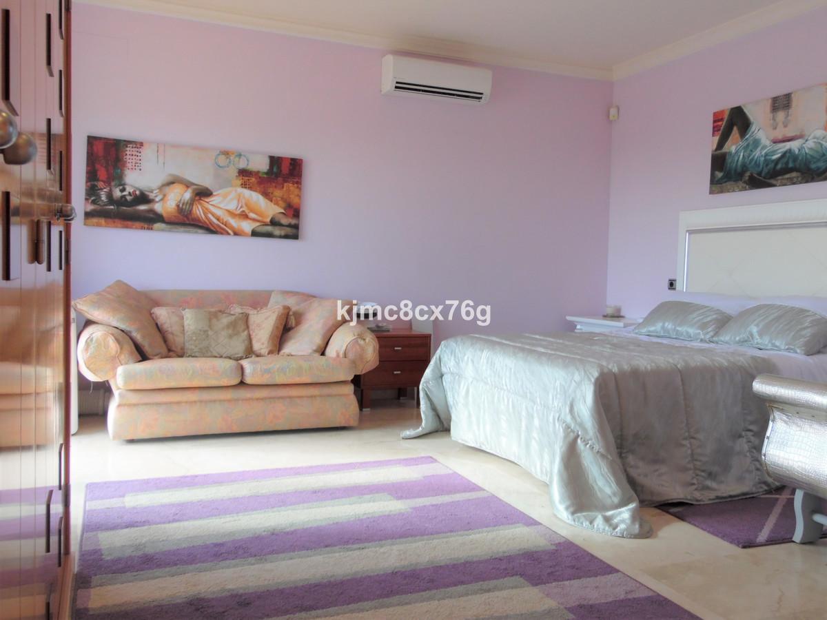 Villa te koop in Riviera del Sol R3583327