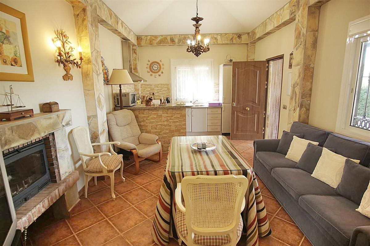 Villa te koop in Monda R3607313