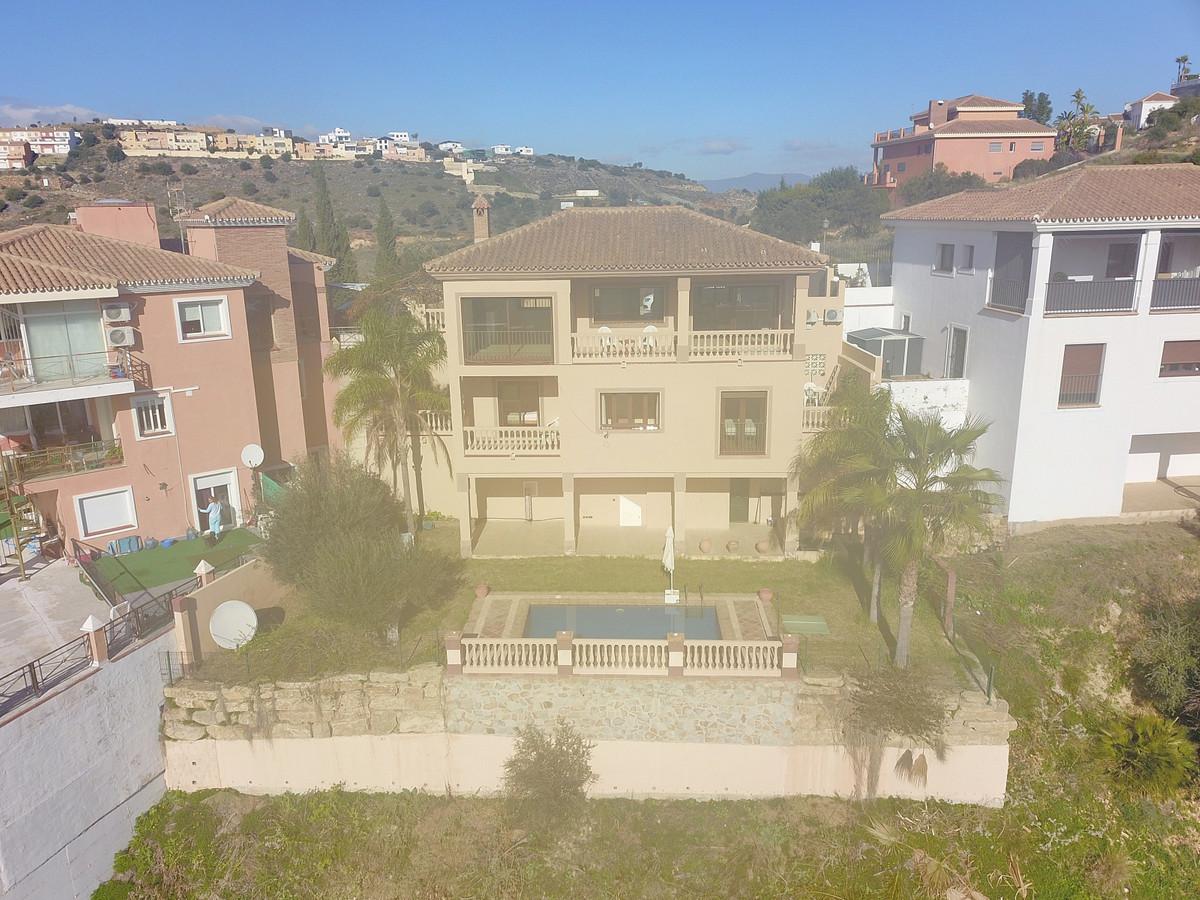 Photo of property R3892276, 1 de 36