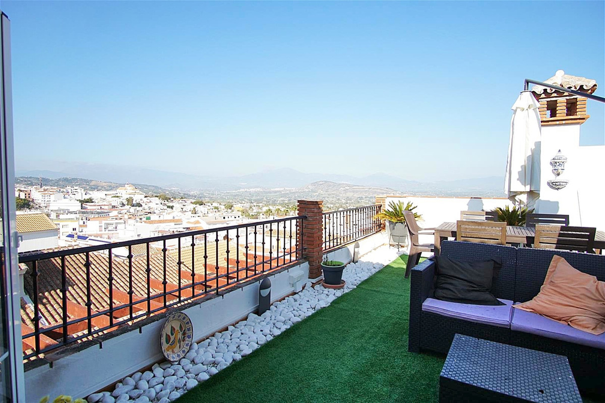 PANORAMIC VIEWS!   Beautiful penthouse located in the heart of Alhaurin el Grande just a few steps f,Spain