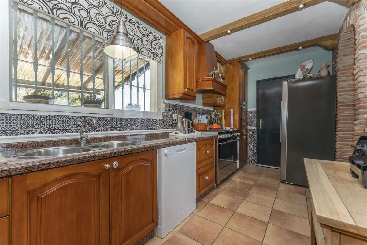 Photo of property R3884776, 11 de 68