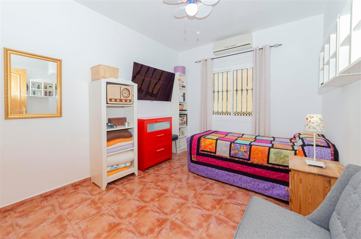 Photo of property R3811510, 12 de 35