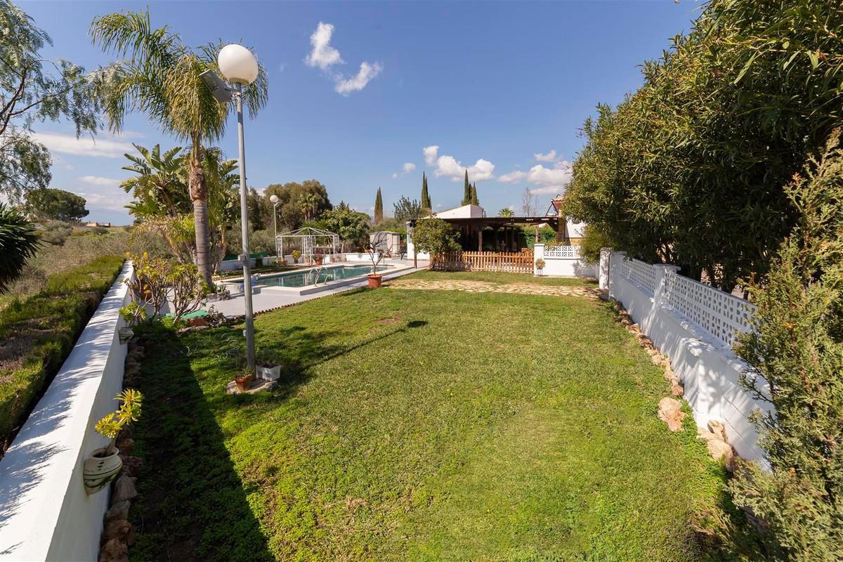Photo of property R3811510, 27 de 35