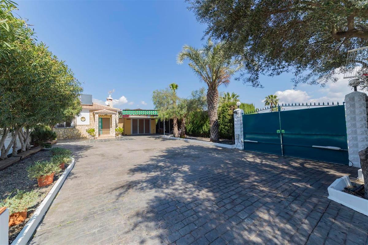 Photo of property R3811510, 4 de 35