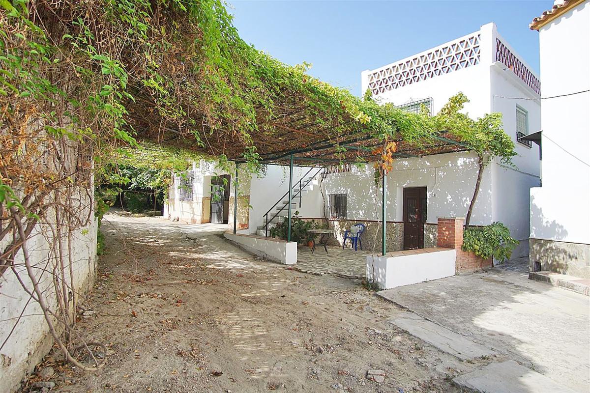 2 bed, 1 bath Plot - Residential - for sale in Coín, Málaga, for 199,000 EUR