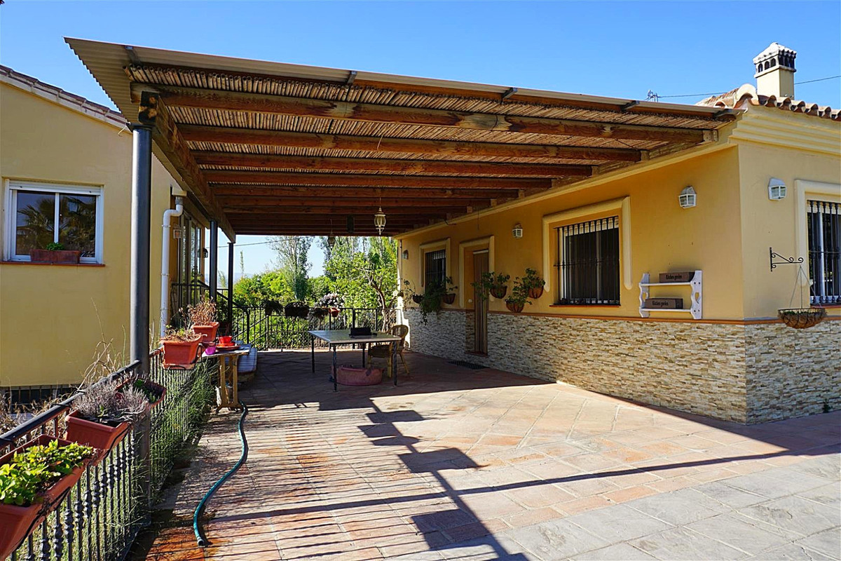 Villa  Finca for sale   in Coín