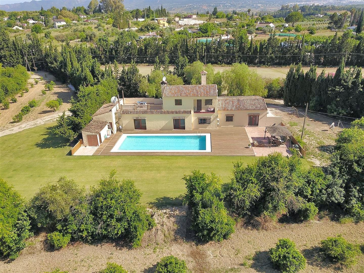 Photo of property R3605390, 1 de 50