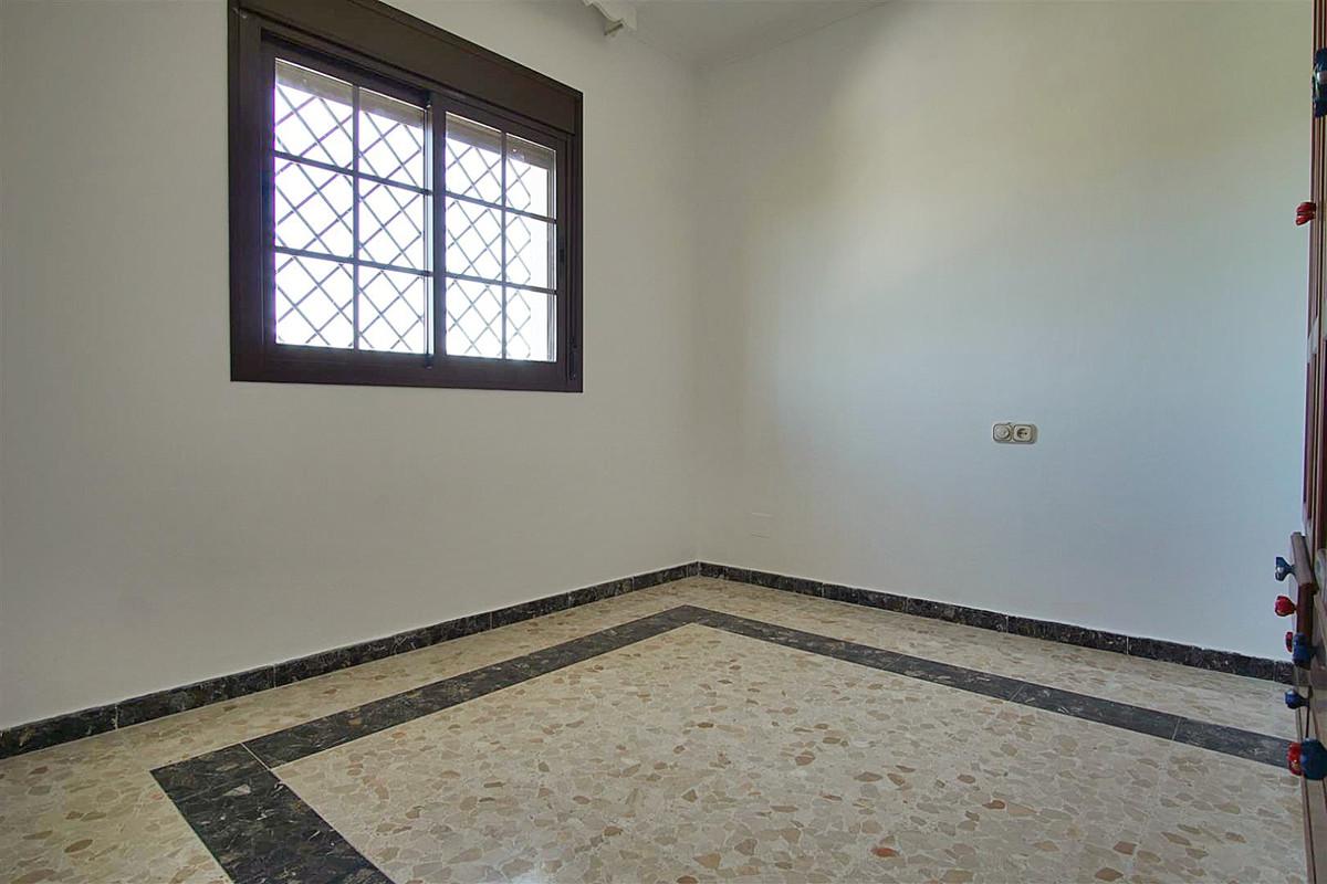 House in Alhaurín de la Torre R3528994 16