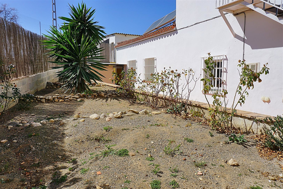 House in Alhaurín de la Torre R3375700 23
