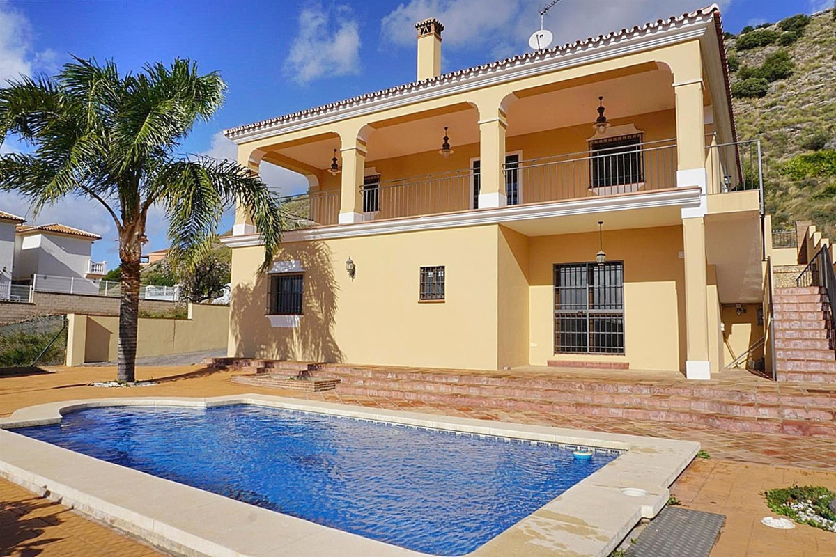 Villa  Detached for sale  and for rent  in Coín