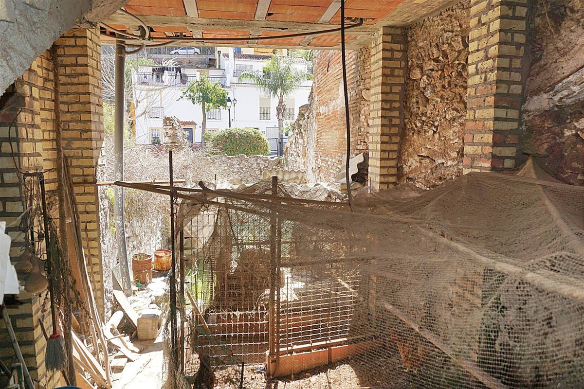 1 Bedroom Terraced Townhouse For Sale Monda