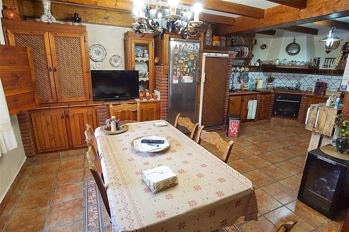 Photo of property R3511510, 13 de 29