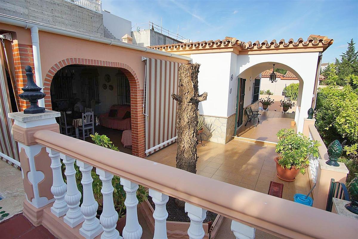 3 bed, 2 bath Villa - Detached - for sale in Coín, Málaga, for 289,000 EUR