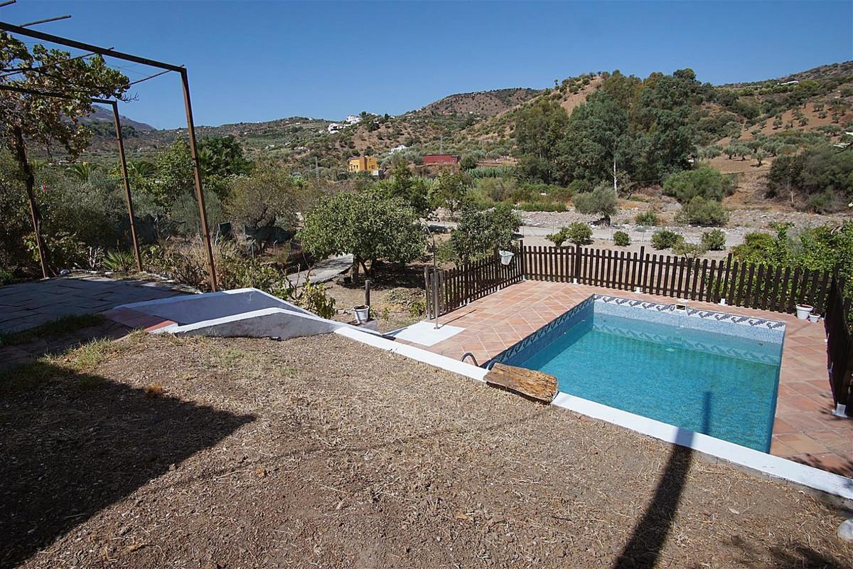 Villa te koop in Monda R3454855