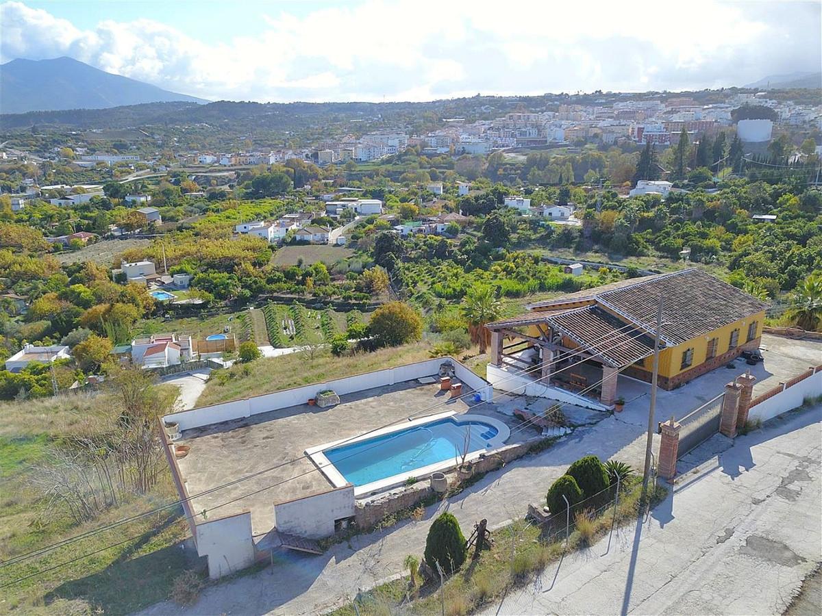 Finca - Cortijo for sale in Coín