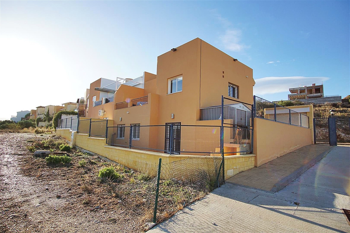Villa  Semi Detached for sale   in Coín