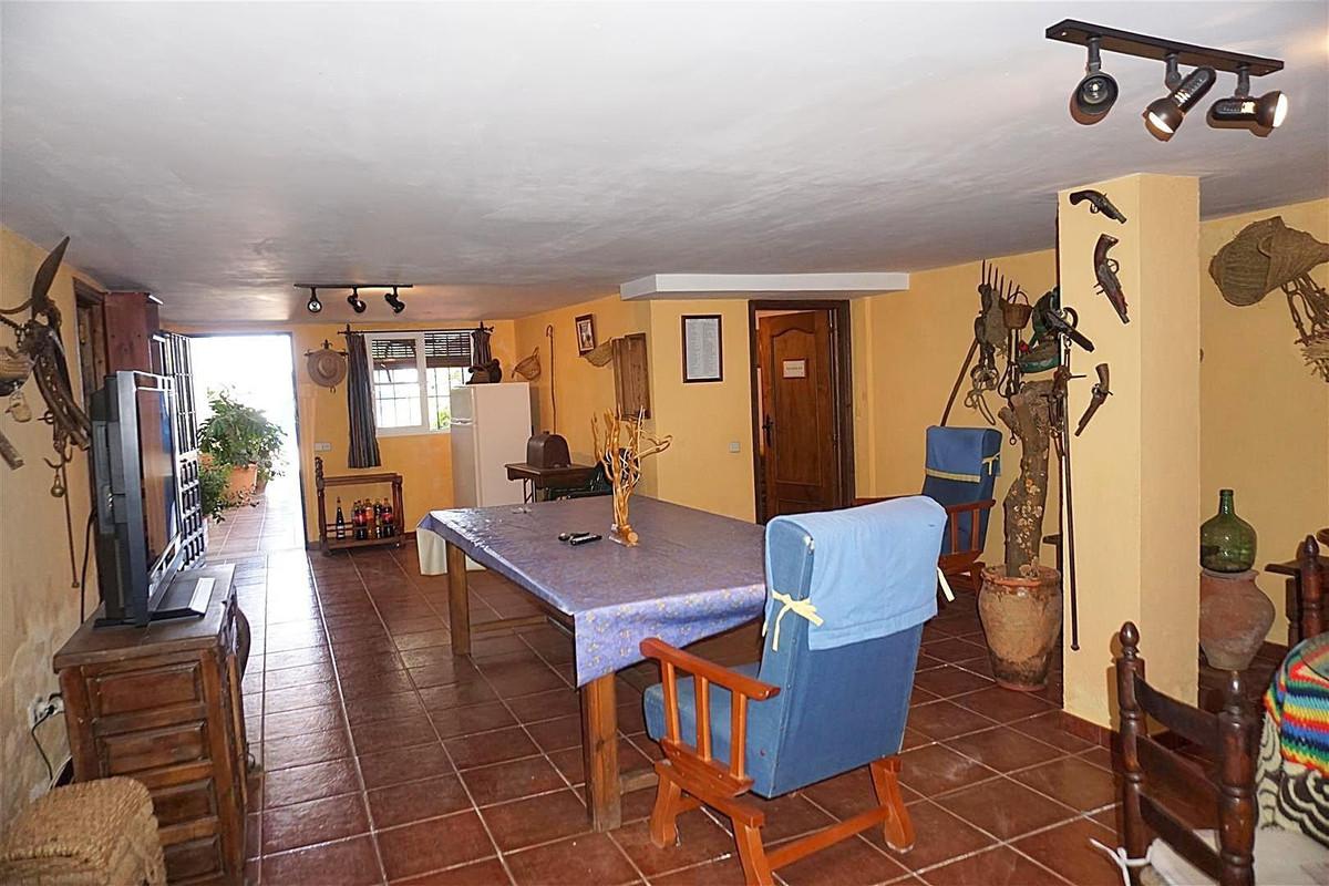 Photo of property R3425107, 6 de 25