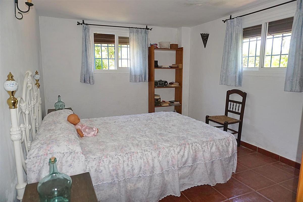 Photo of property R3425107, 7 de 25