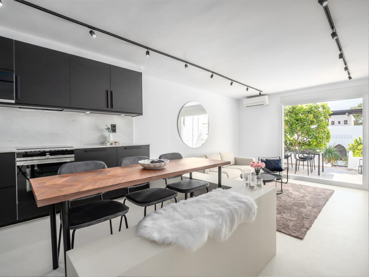 Apartment Ground Floor Nueva Andalucía Málaga Costa del Sol R3390574
