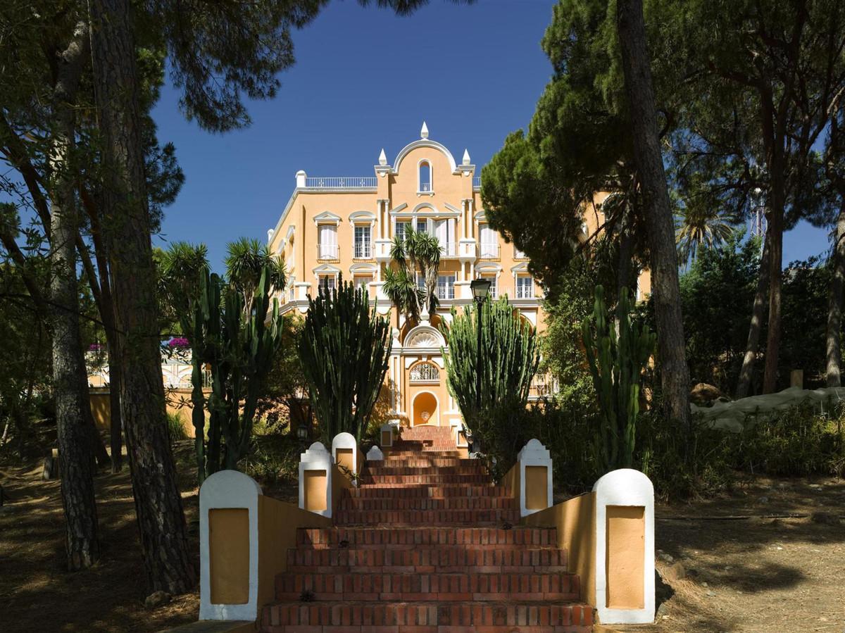 Villa for sale in Nueva Andalucia - Nueva Andalucia Villa - TMRO-R2974934
