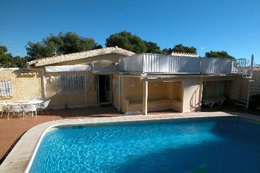 Detached Villa for sale in Nueva Andalucía R2137973
