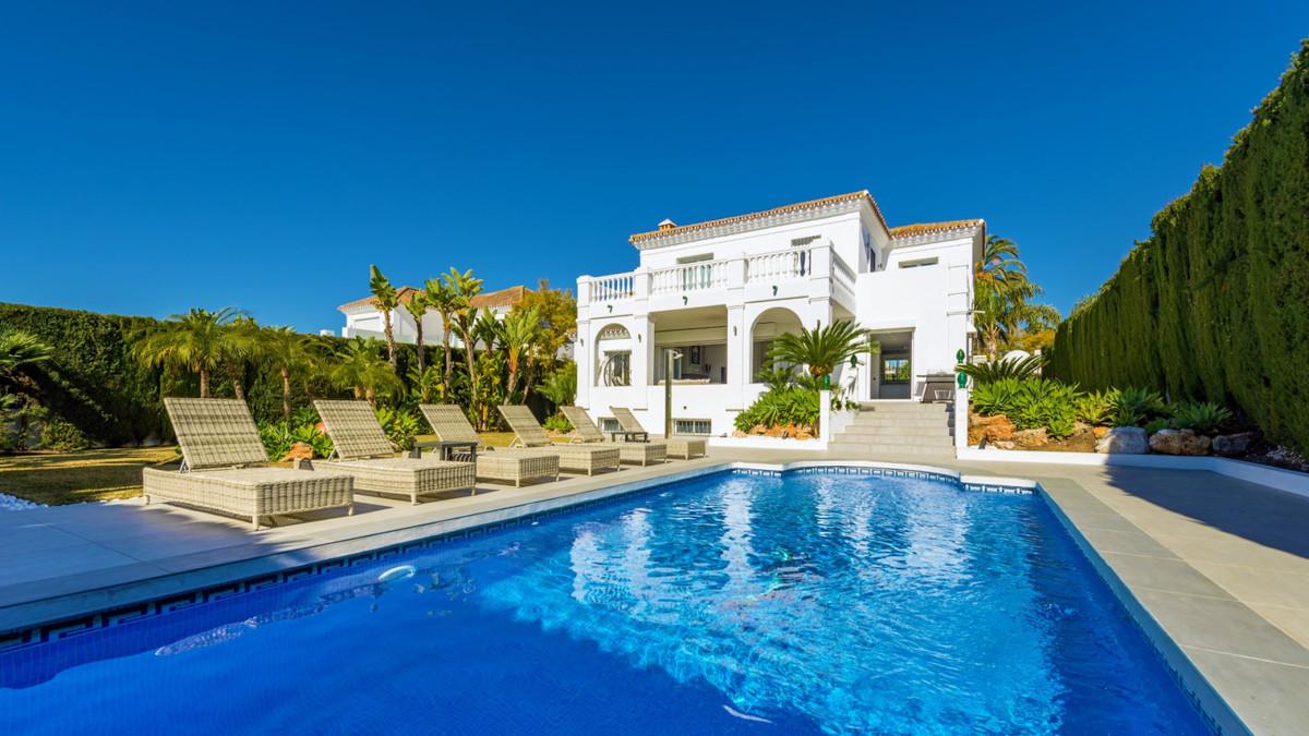 Villa for sale in Nueva Andalucia - Nueva Andalucia Villa - TMRO-R3425584