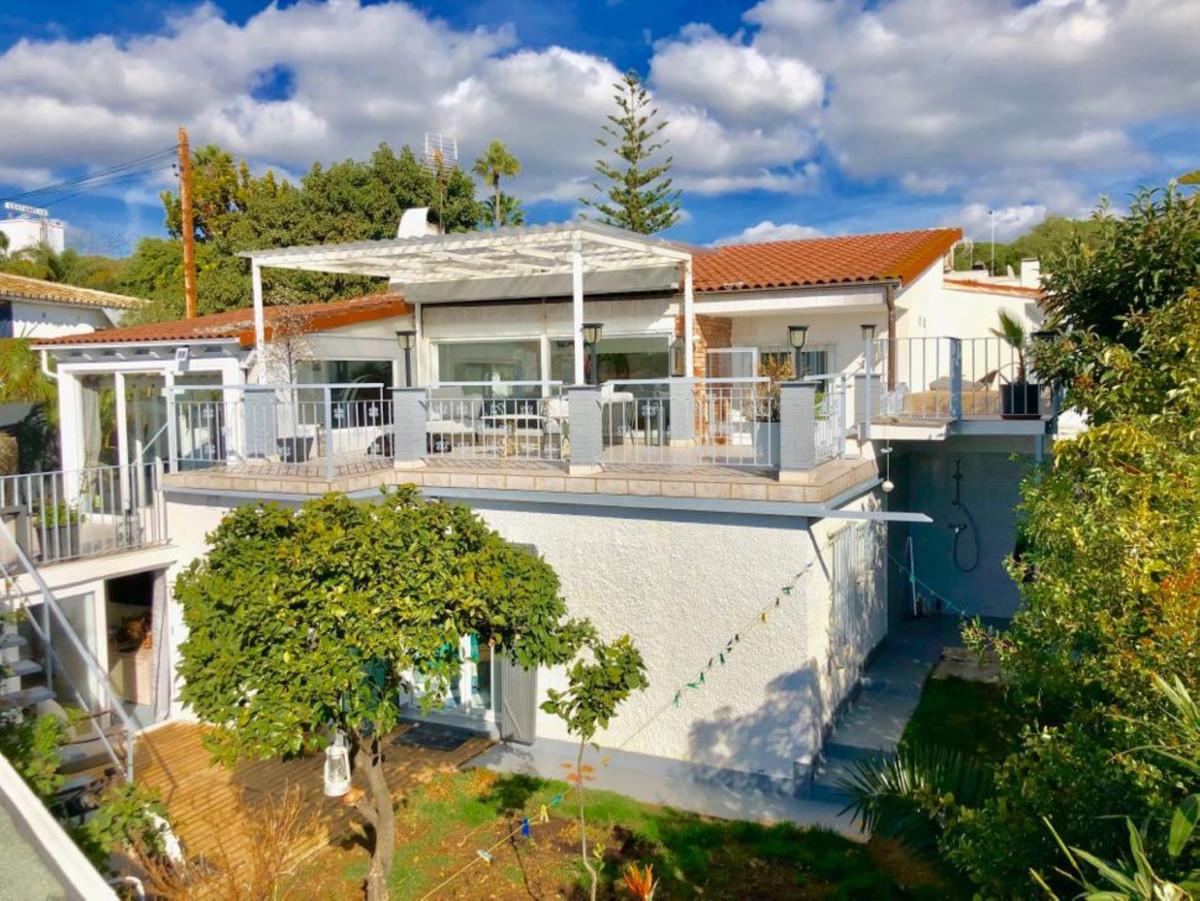 Ref:R3663161 Villa - Detached For Sale in Costabella