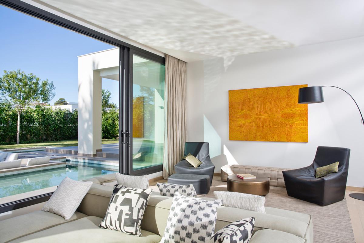 Villa con 4 Dormitorios en Venta Guadalmina Baja