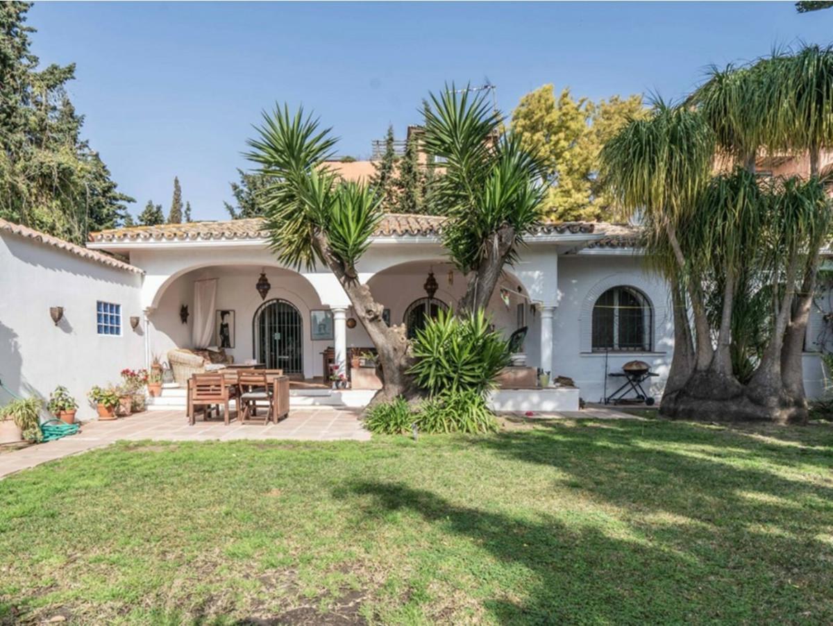 Ref:R3661976 Villa - Detached For Sale in El Paraiso