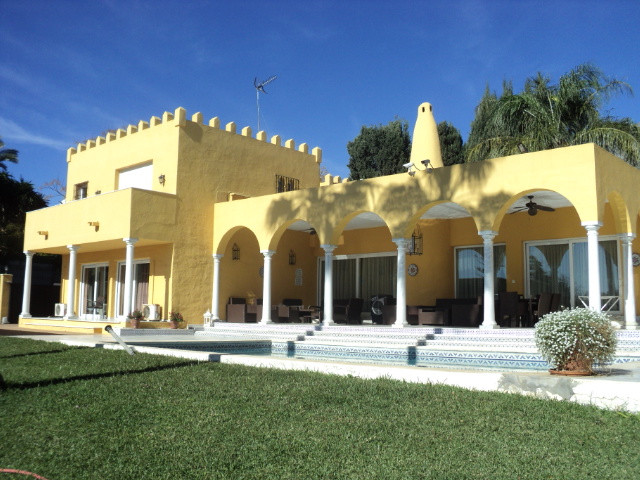 Villa Independiente 5 Dormitorio(s) en Venta Marbella