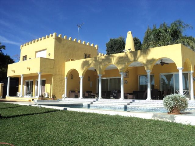 Ref:R3662270 Villa - Detached For Sale in Marbella