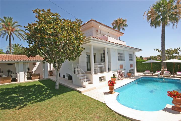 Ref:R3064048 Villa - Detached For Sale in El Paraiso
