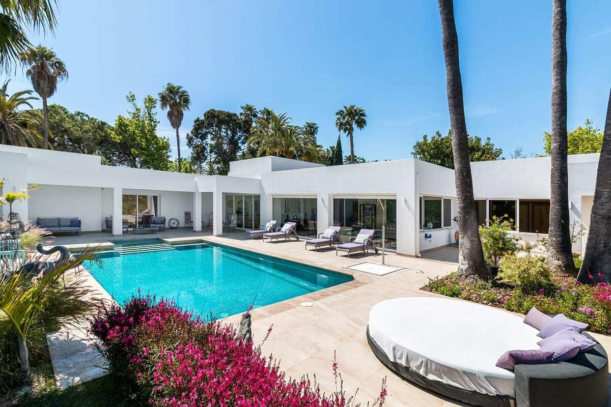 Ref:R3521290 Villa - Detached For Sale in El Paraiso