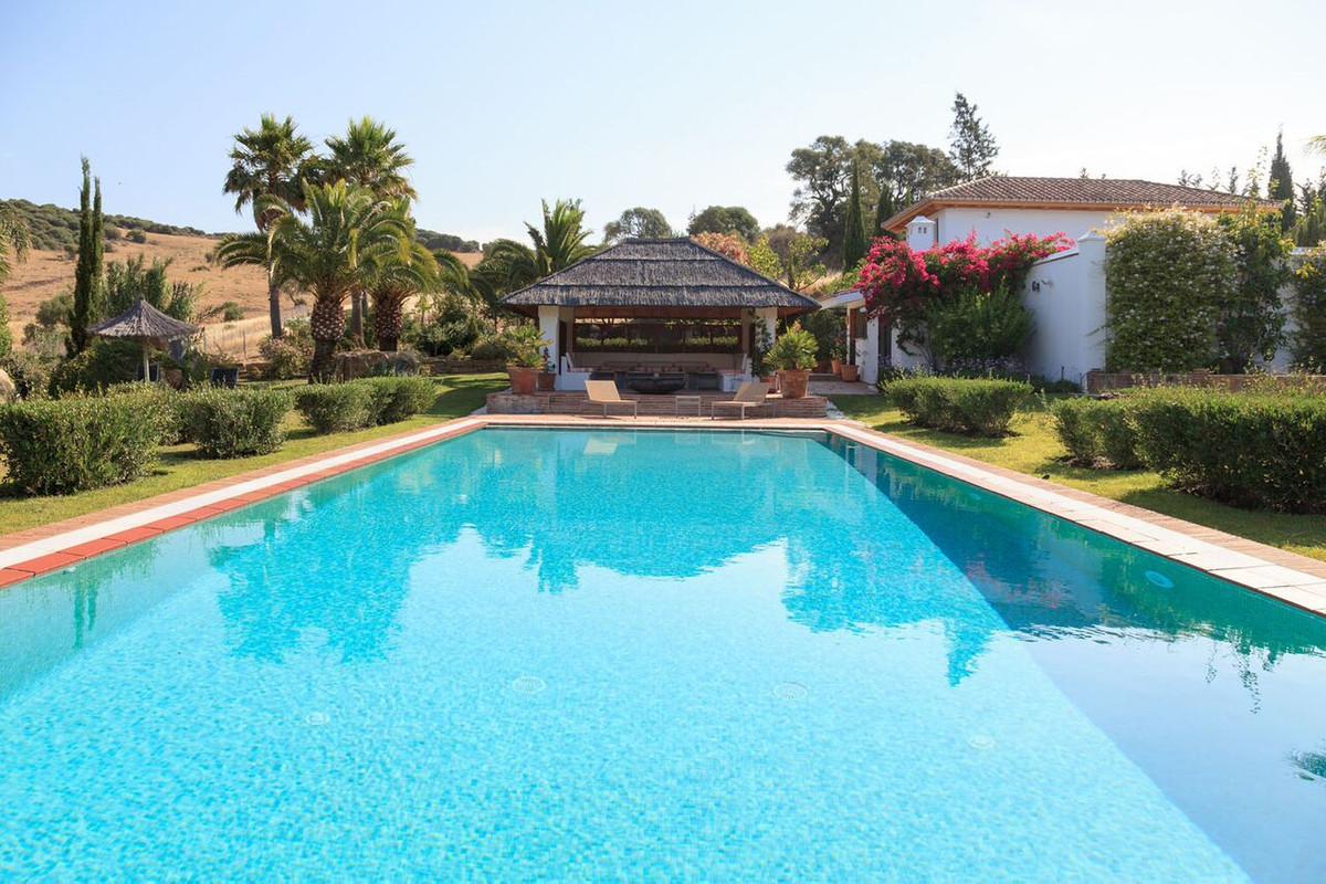 R3661928: Villa - Detached for sale in Sotogrande