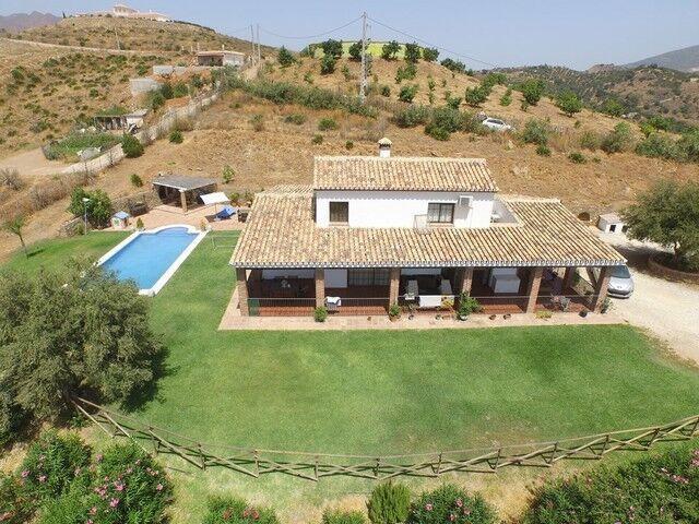 Ref:R3661913 Villa - Finca For Sale in Mijas