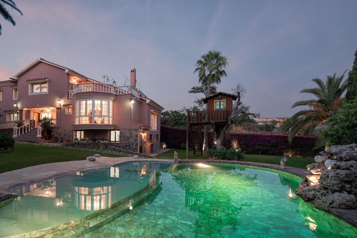 Villa Til salg i Marbella R3672572