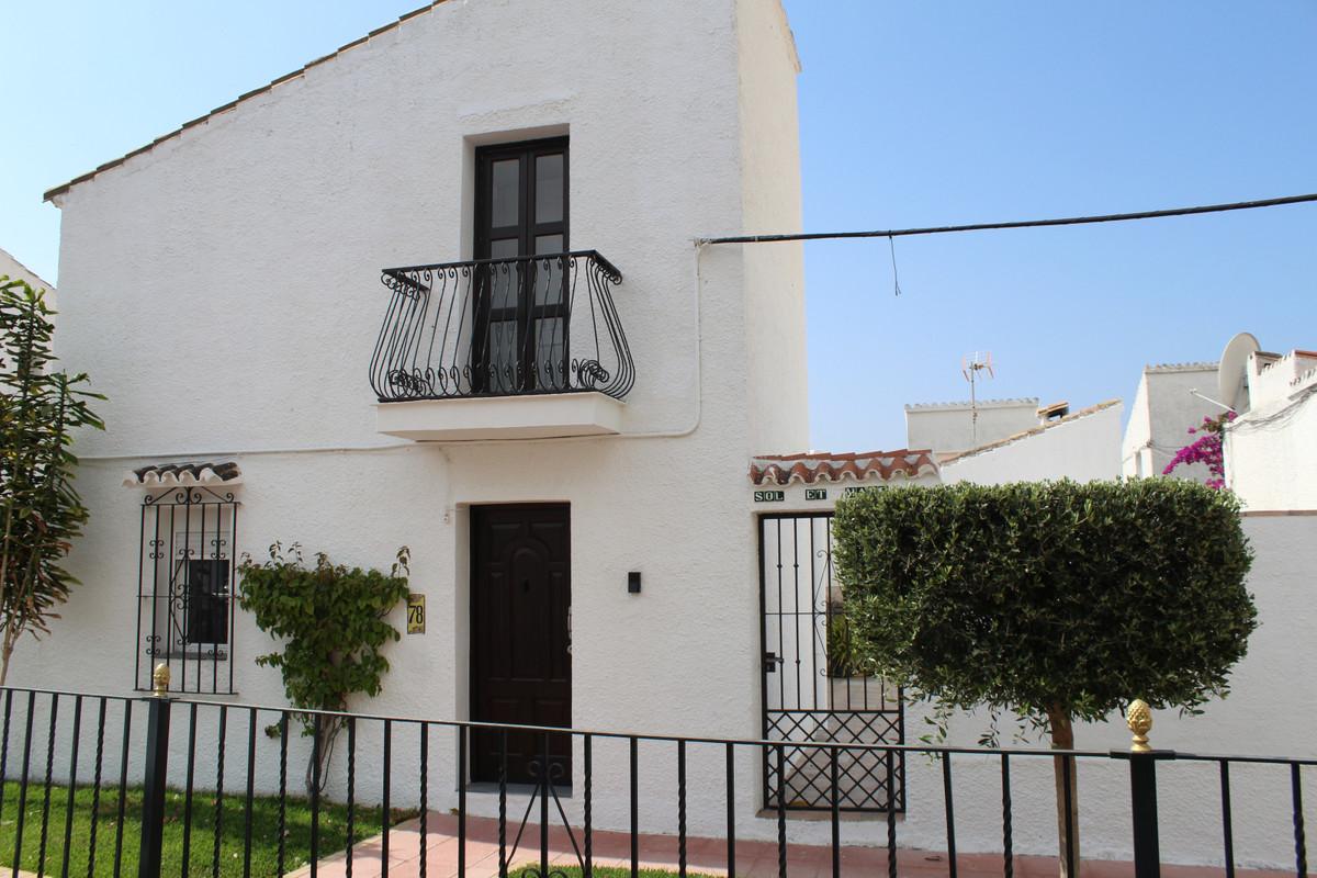 Townhouse in Estepona R3448330