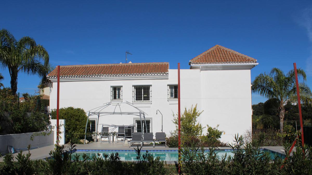 5 bedroom villa for sale coin