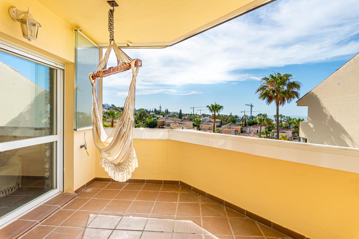 Apartment Middle Floor Bahía de Marbella Málaga Costa del Sol R3640217
