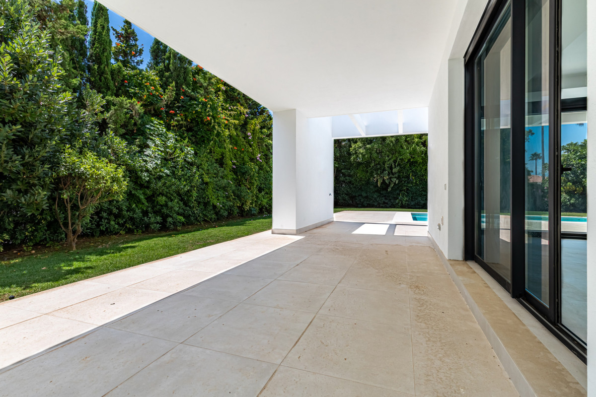 House in Atalaya R3901840 10