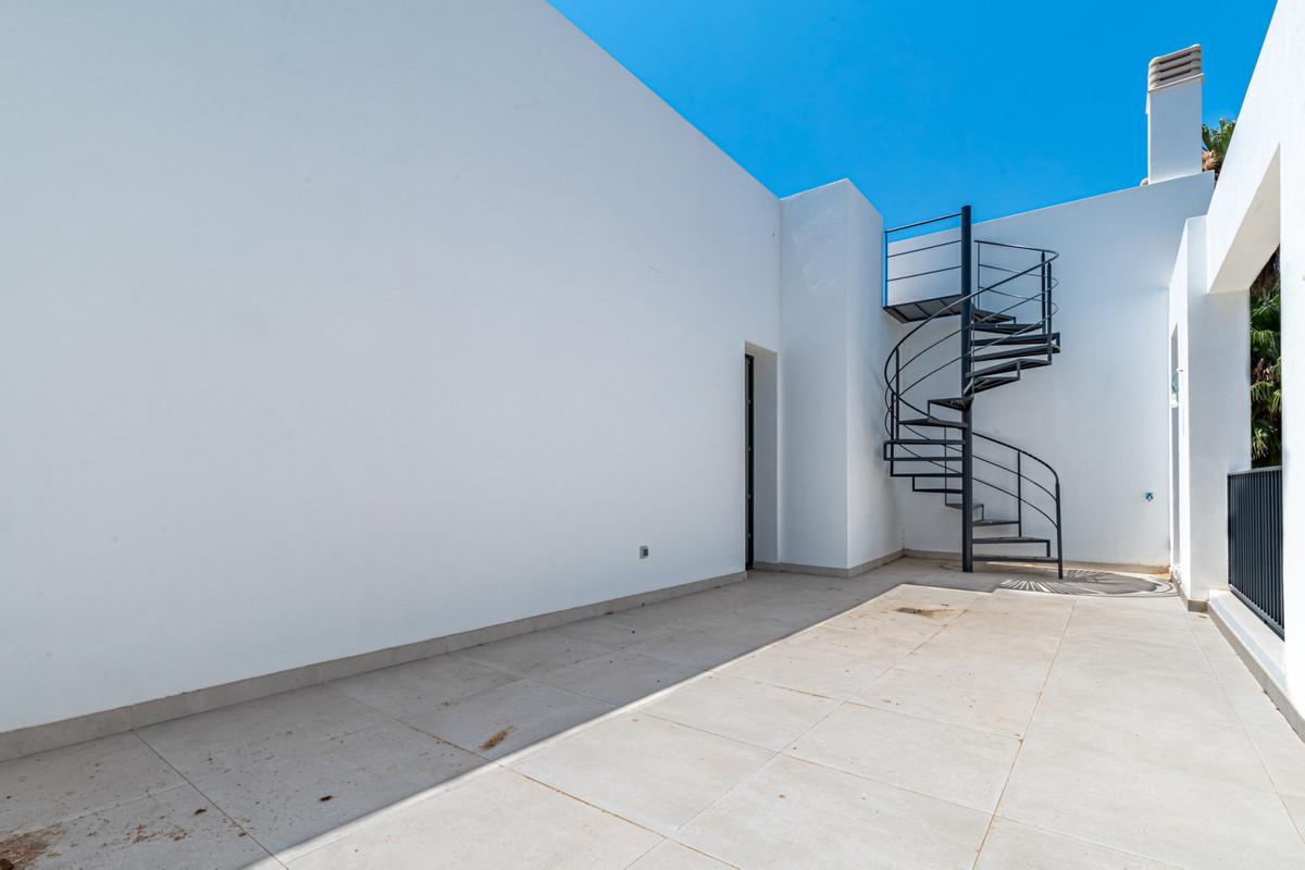 House in Atalaya R3901840 24