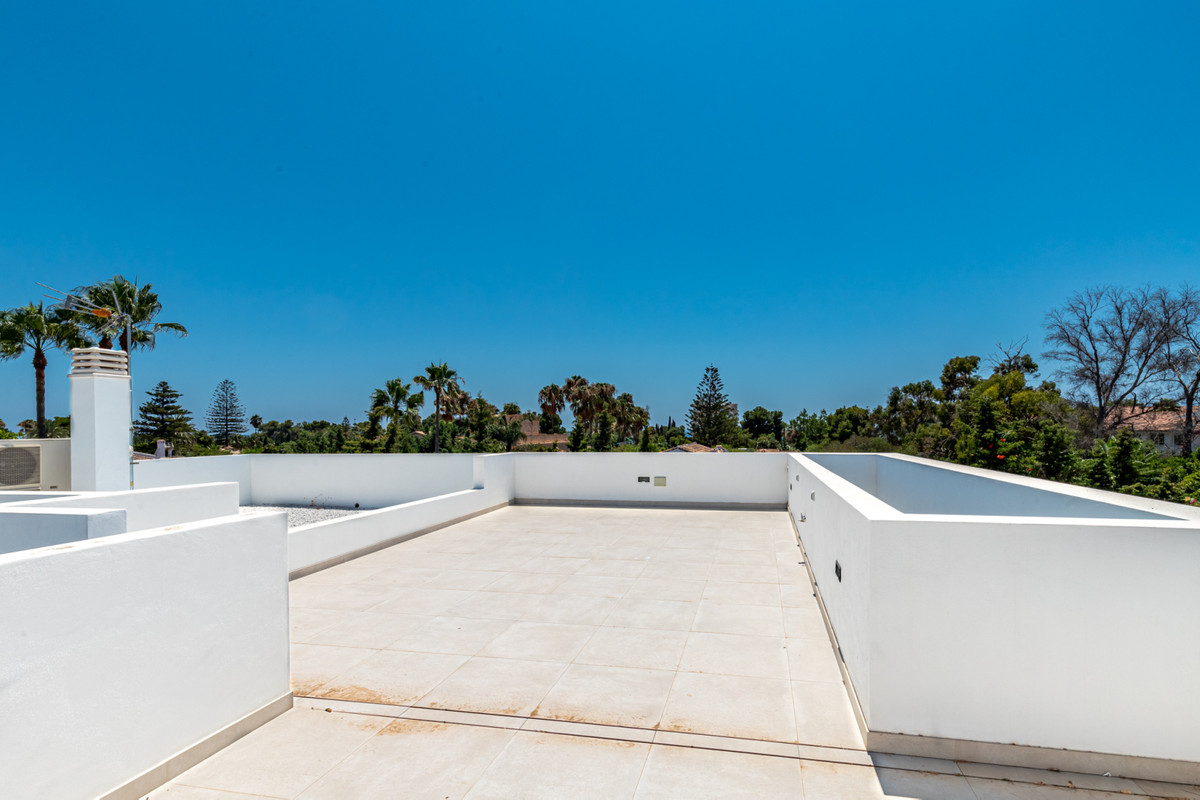 House in Atalaya R3901840 25