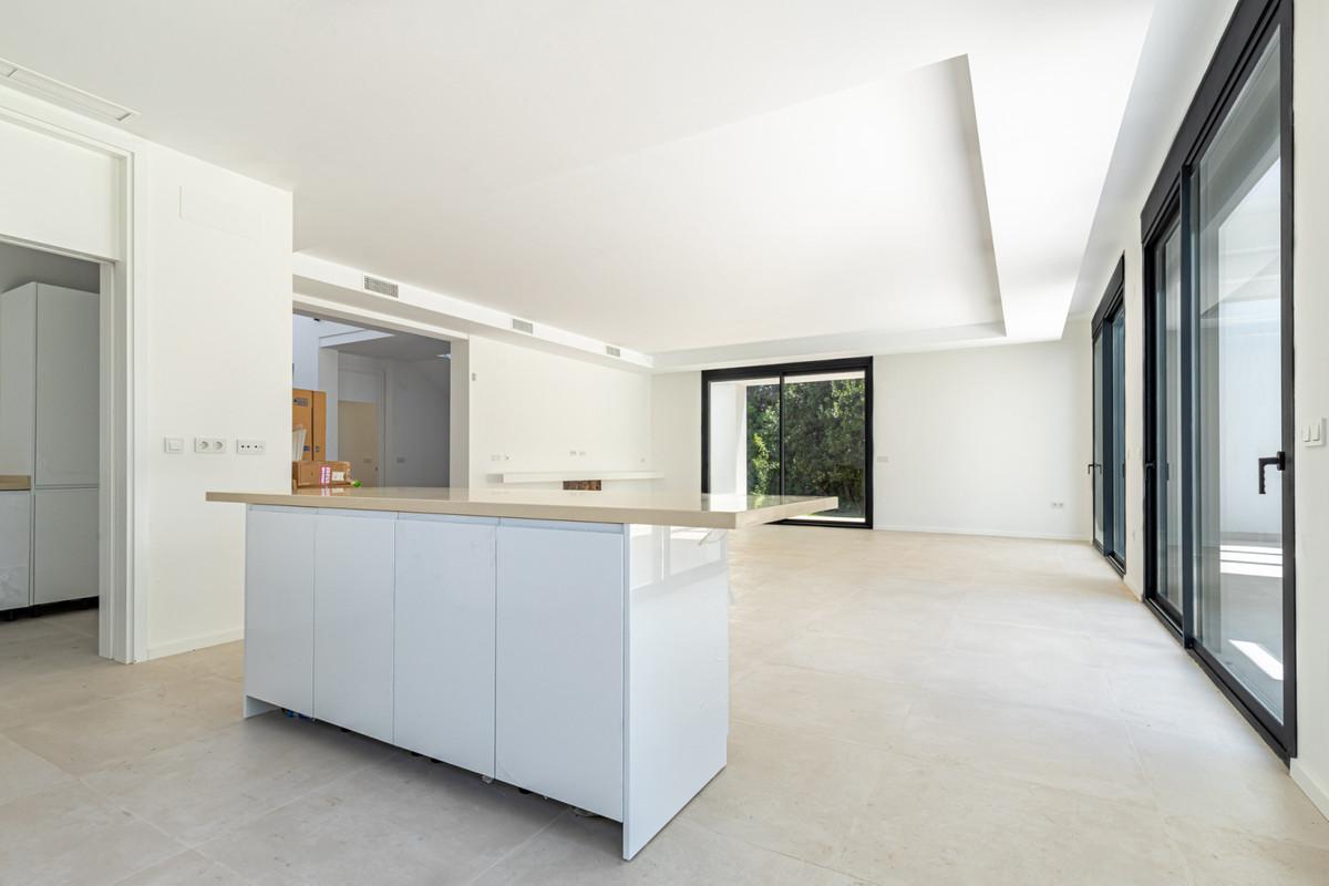 House in Atalaya R3901840 8