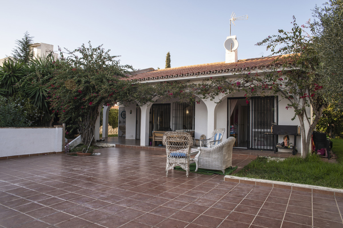 Independent one level villa in the area of El Coto, Mijas. This cozy home has a lot of possibilities,Spain