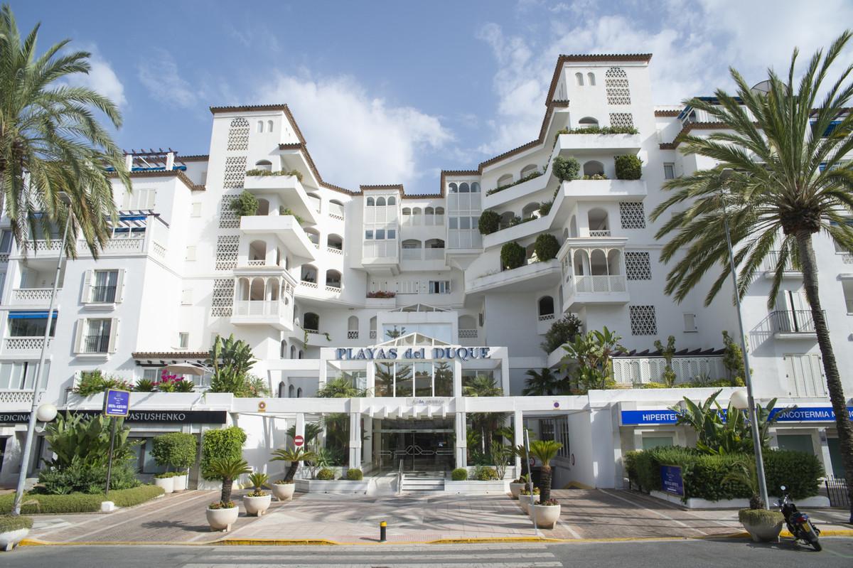 Middle Floor Apartment, Puerto Banus, Costa del Sol. 2 Bedrooms, 1 Bathroom, Built 100 m², Terrace 1,Spain