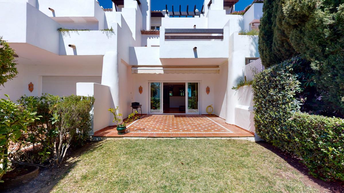 Townhouse, Costalita, Costa del Sol. 3 Bedrooms, 4 Bathrooms, Built 303 m².  Setting : Beachfront, T,Spain