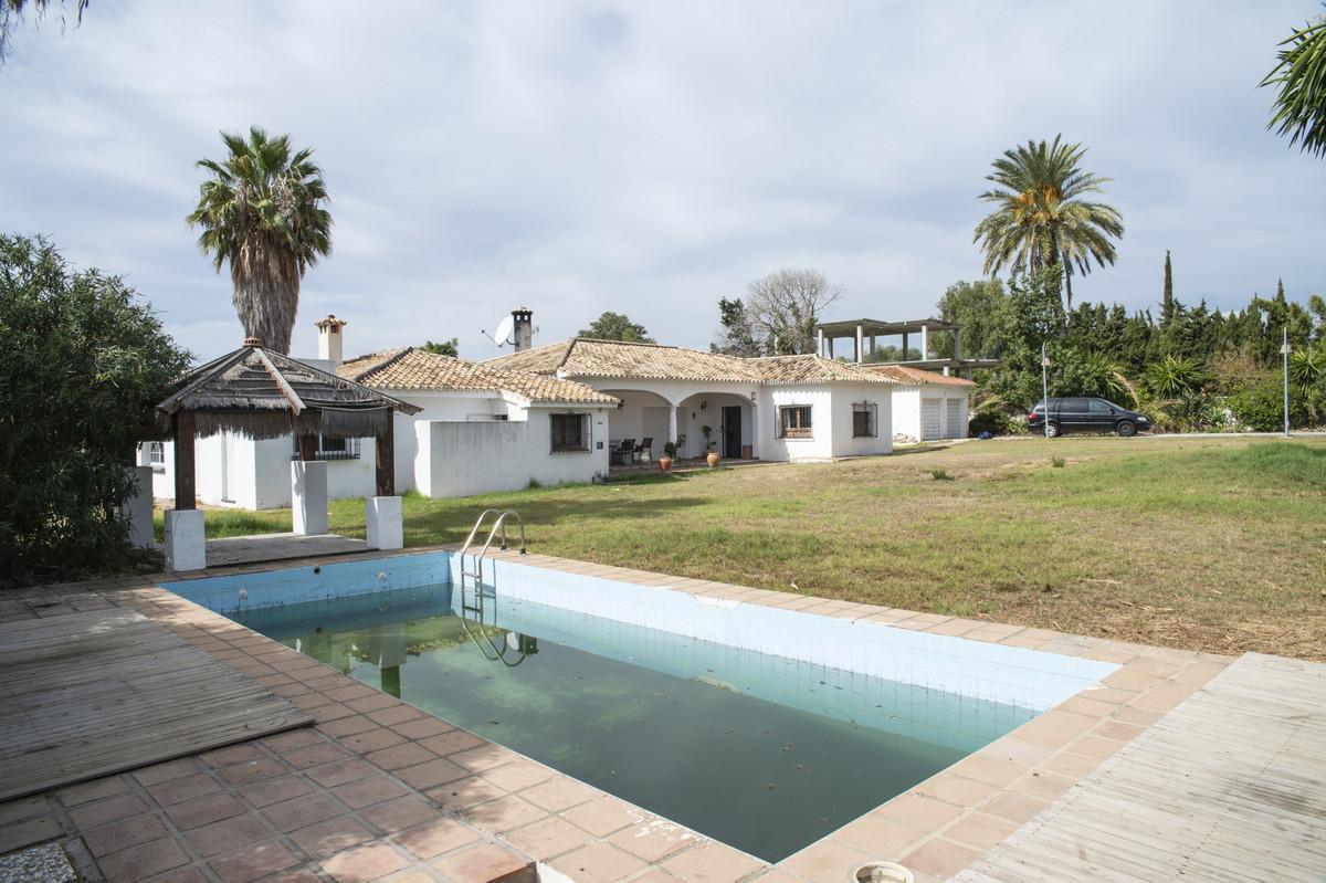 Villa Til salg i San Pedro de Alcántara R3731902