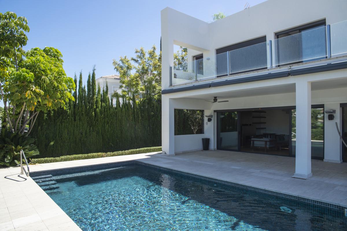 Villa Detached Nueva Andalucía Málaga Costa del Sol R3660353 2
