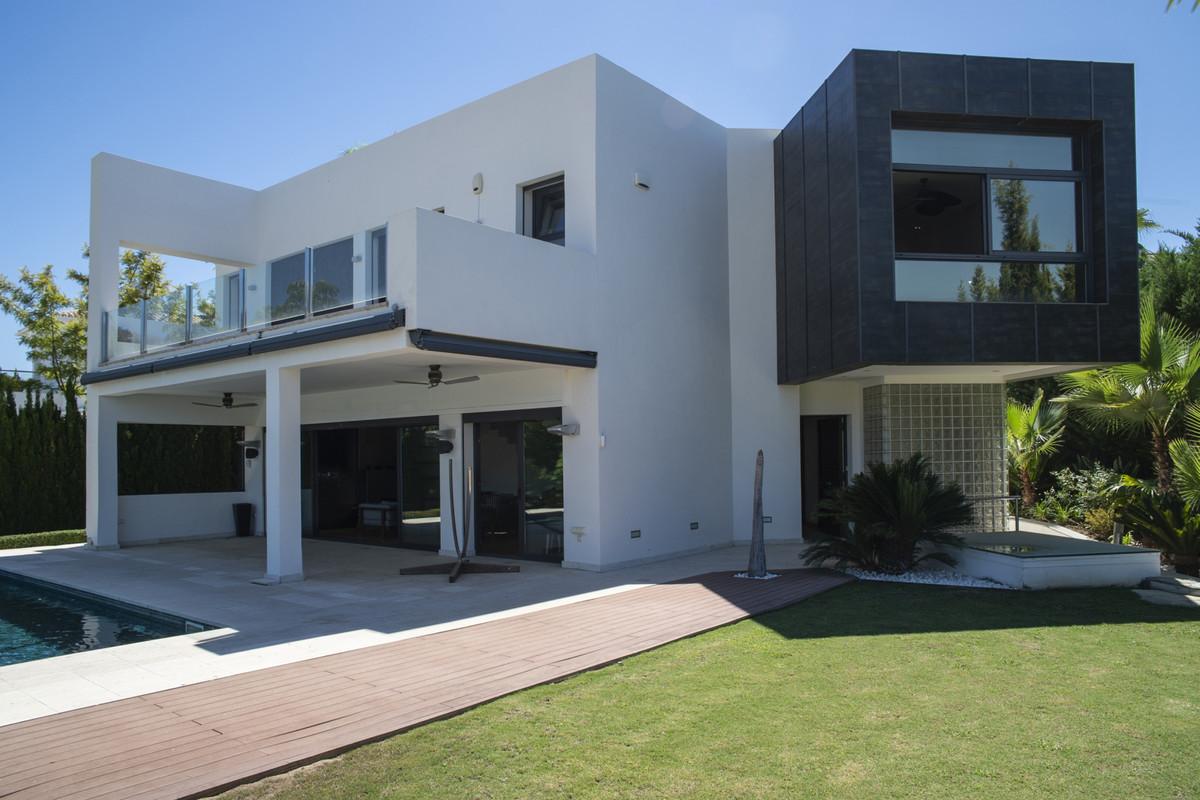 Villa Detached Nueva Andalucía Málaga Costa del Sol R3660353 3