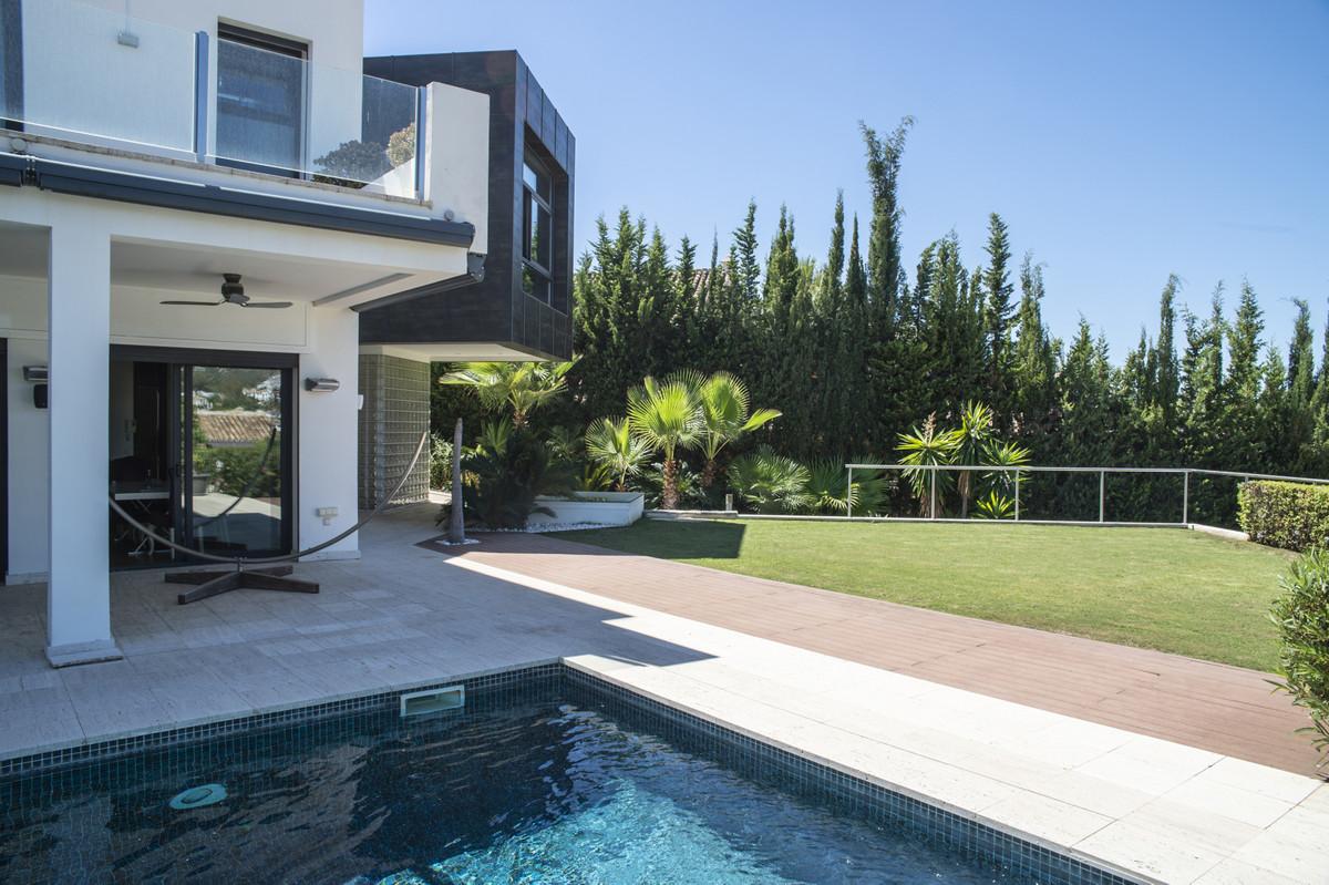 Villa Detached Nueva Andalucía Málaga Costa del Sol R3660353 4